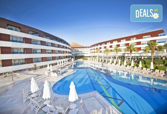 Изпратете лятото с луксозна почивка в Grand Park Bodrum 5*, Турция! 7 нощувки на база Ultra All Inclusive, безплатно за дете до 12.99г. - Снимка 1