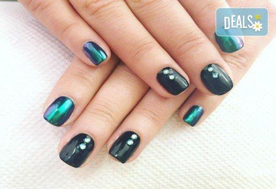 Красиви ръце със здрав и дълготраен маникюр с гел лак, 4 декорации и парафинова терапия в студио за красота L Style! - Снимка 1