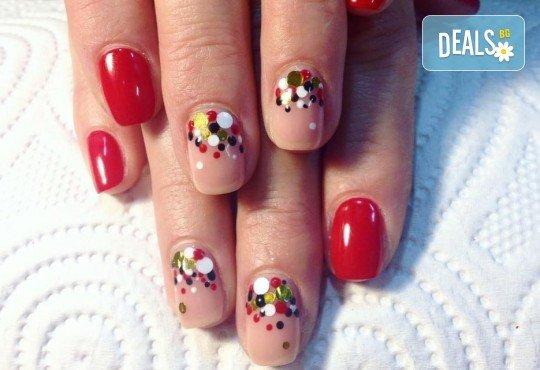 Красиви ръце със здрав и дълготраен маникюр с гел лак, 4 декорации и парафинова терапия в студио за красота L Style! - Снимка 3