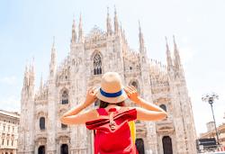 Есенна екскурзия до Верона, Венеция и Милано! 3 нощувки със закуски, самолетен билет и ръчен багаж, летищни такси, водач и туристически обиколки в Милано и Верона! - Снимка