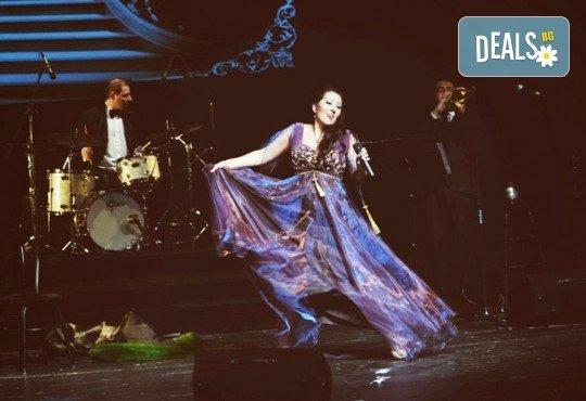 Зашеметяващата Милица Гладнишка в музикалния спектакъл Титанично, на 03.10. от 19ч. в Театър Сълза и Смях! - Снимка 1