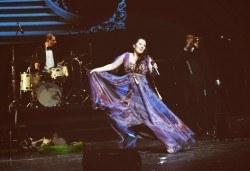 Зашеметяващата Милица Гладнишка в музикалния спектакъл Титанично, на 03.10. от 19ч. в Театър Сълза и Смях! - Снимка