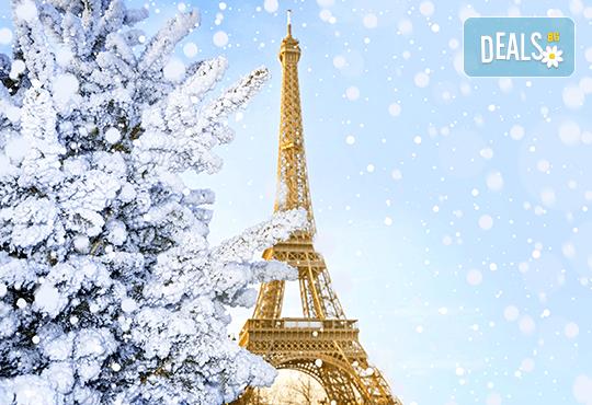 Романтика през декември в Париж: 3 нощувки и закуски, самолетен билет и трансфери