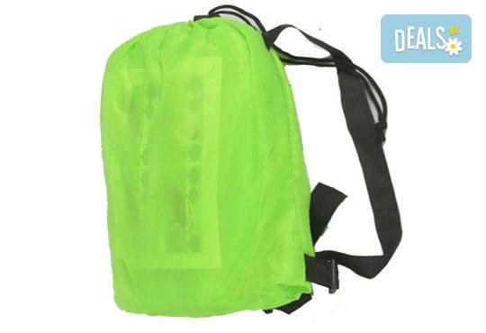 Голям надуваем шезлонг в зелено или оранжево + чанта за транспортиране от Магнифико! - Снимка 2