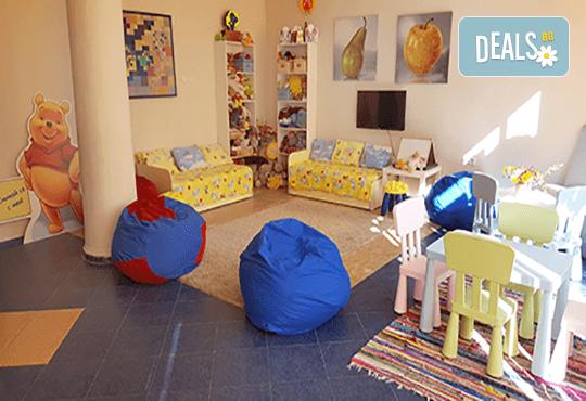 Седмичен целодневен престой за деца от 2 до 6г. с много игри и уроци по английски език в частна детска градина В парка! - Снимка 7