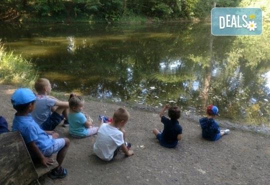 Седмичен целодневен престой за деца от 2 до 6г. с много игри и уроци по английски език в частна детска градина В парка! - Снимка 1