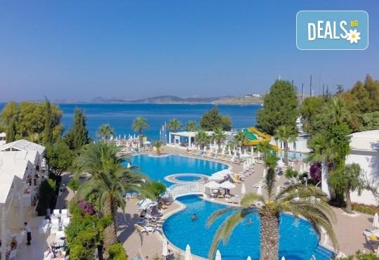Почивка в Labranda TMT Bodrum Resort 5*, Бодрум, с Караджъ Турс! 7 нощувки на база Ultra All Inclusive - Снимка 1