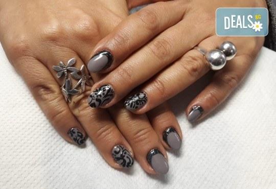 Mаникюр с гел лак BlueSky, 2 или 4 декорации, вграждане на камъчета и ефекти от Салон Мечта! - Снимка 35