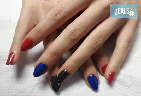 Mаникюр с гел лак BlueSky, 2 или 4 декорации, вграждане на камъчета и ефекти от Салон Мечта! - Снимка 44