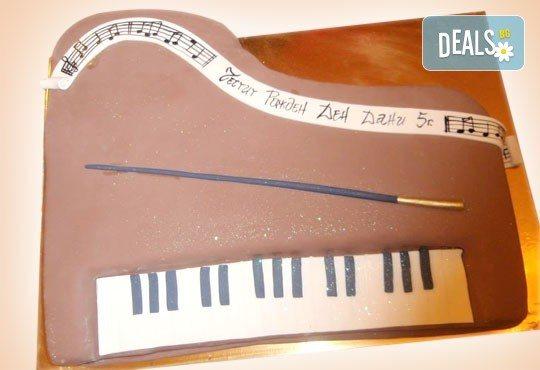Торта за професионалисти! Вкусна торта за фризьори, IT специалисти, съдии, футболисти, режисьори, музиканти и други професии от Сладкарница Джорджо Джани! - Снимка 10