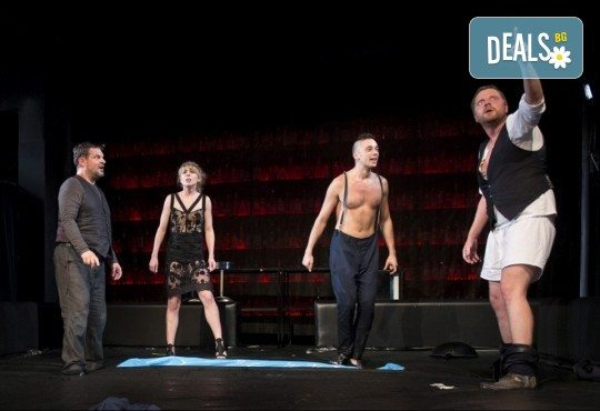 Гледайте спектакъла Пияните на 15-ти октомври (понеделник) в Малък градски театър Зад канала! - Снимка 13
