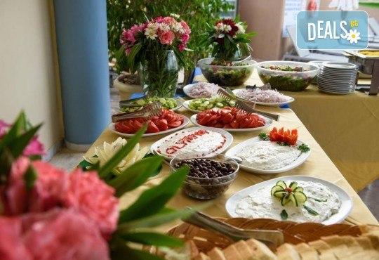 Нова година на о. Корфу, Гърция! 3 нощувки със закуски и вечери в Olympion village 3+*, транспорт, водач и посещение на двореца Ахилион! - Снимка 12
