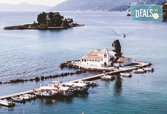 Нова година на о. Корфу, Гърция! 3 нощувки със закуски и вечери в Olympion village 3+*, транспорт, водач и посещение на двореца Ахилион! - Снимка 2