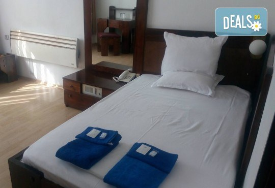 Почивка в Брацигово! 1 нощувка със закуска, обяд, вечеря и басейн в СПА хотел Виктория, цена на човек - Снимка 9