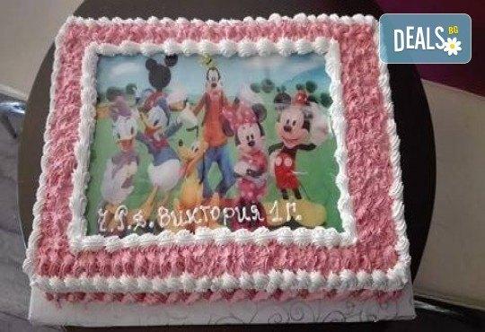 С любима снимка! Голяма детска торта 20, 25 или 30 парчета със снимка на любим герой от Сладкарница Джорджо Джани! - Снимка 12