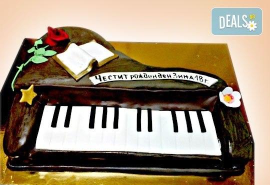 За музиканти! Торта за DJ, музиканти, певци и артисти от Сладкарница Джорджо Джани! - Снимка 1
