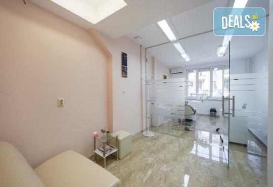 Здрави зъби! Лечение на кариес и поставяне на висококачествена фотополимерна пломба в DentaLux! - Снимка 4