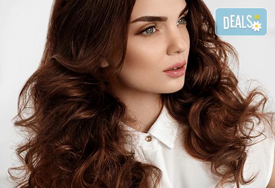 Погрижете се за косата си! Подстригване, масажно измиване, прав сешоар + кератинова преса, която подхранва косъма в дълбочина, или букли в соларно и козметично студио Моre Sun в жк. Младост 3! - Снимка 3