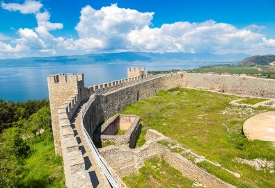 Екскурзия през ноември или декември до Охрид с Глобул Турс! 2 нощувки, транспорт, посещение на Скопие, Струга и село Калище! - Снимка