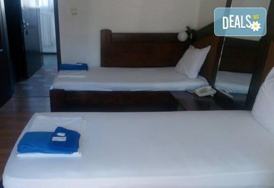 Почивка в Брацигово! 1 нощувка със закуска, обяд, вечеря в СПА хотел Виктория, цена на човек - Снимка 8