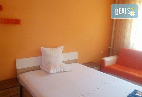Почивка в Брацигово! 1 нощувка със закуска, обяд, вечеря в СПА хотел Виктория, цена на човек - Снимка 11
