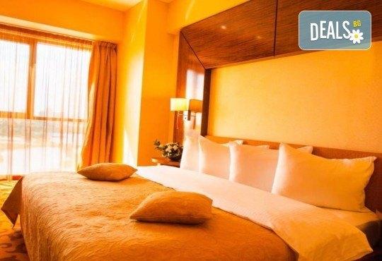 Нова Година 2019 в хотел Rin Grand 4*, Букурещ, с Караджъ Турс! 2 нощувки със закуски, транспорт, водач и програма - Снимка 3