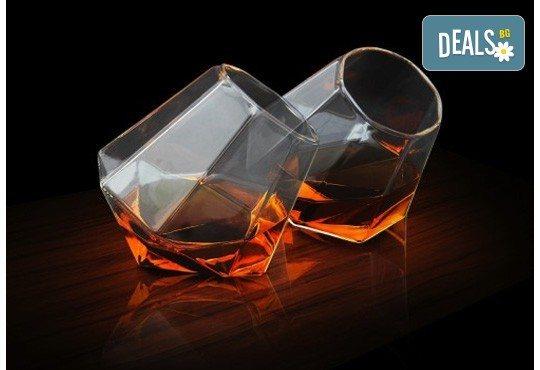 Нестандартно и оригинално! Вземете луксозен сет чаши за уиски с форма на диамант! - Снимка 2