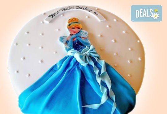 За момичета! Красиви детски торти за момичета с принцеси и приказни феи + ръчно моделирана декорация от Сладкарница Джорджо Джани - Снимка 22