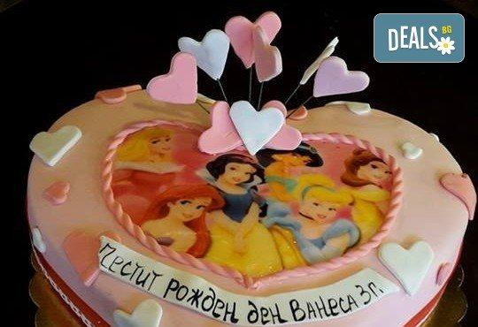 За момичета! Красиви детски торти за момичета с принцеси и приказни феи + ръчно моделирана декорация от Сладкарница Джорджо Джани - Снимка 24