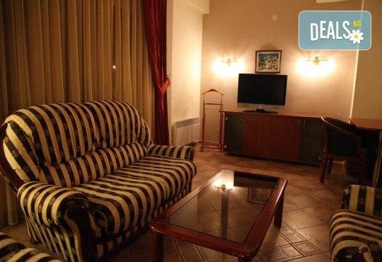Нова Година 2019 в Hotel Belvedere 4*, Охрид, с Дари Травел! 3 нощувки, 3 закуски и 2 вечери, Новогодишна вечеря, транспорт и обиколки в Скопие и Охрид - Снимка 5