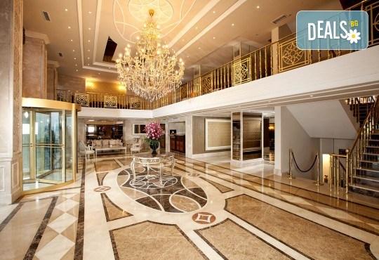 Нова Година 2019 в Истанбул, с Дари Травел! 3 нощувки със закуски в хотел Grand Halic Hotel 4*, Новогодишна гала вечеря, транспорт, посещение на Одрин - Снимка 4