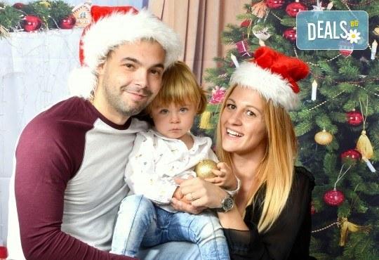 Семейна есенна или коледна фотосесия + подарък: фотокнига или еднолистен детски календар от Photosesia.com! - Снимка 4