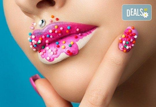 Поставяне на течен гел върху естествен нокът, маникюр с гел лак Bluesky, 2 4D декорации и сваляне на стар гел лак в студио за красота Jessica! - Снимка 1