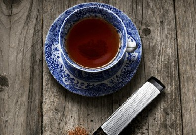 Стилен подарък за Вас или близък човек! Цедка-лъжичка за насипен чай от Drosselmeyer! - Снимка