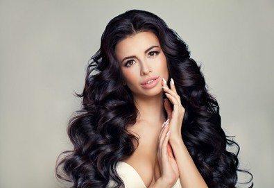 За силна и здрава коса! Мезотерапия за скалп и против косопад с Hyaluronica Mesococtails Vita Hair от сертифициран лекар за работа с продуктите на Hualuronica и Juvederm! - Снимка