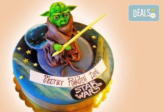За момчета! Детска торта за момчета с коли и герои от филмчета с ръчно моделирана декорация от Сладкарница Джорджо Джани - Снимка 1