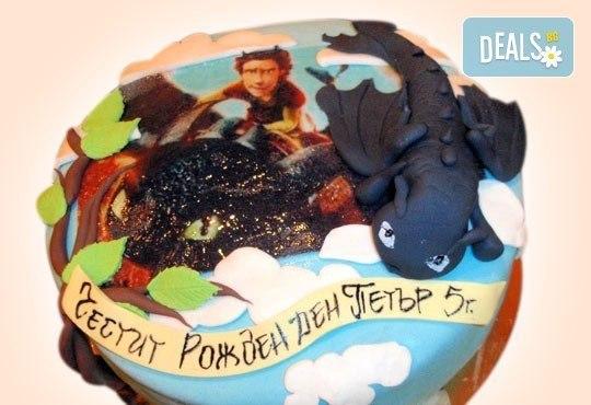 За момчета! Детска торта за момчета с коли и герои от филмчета с ръчно моделирана декорация от Сладкарница Джорджо Джани - Снимка 21