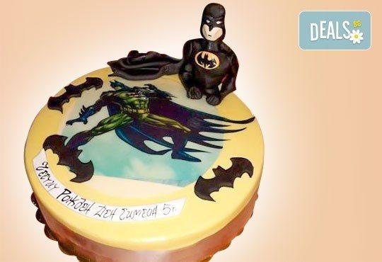 За момчета! Детска торта за момчета с коли и герои от филмчета с ръчно моделирана декорация от Сладкарница Джорджо Джани - Снимка 26