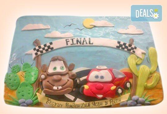 За момчета! Детска торта за момчета с коли и герои от филмчета с ръчно моделирана декорация от Сладкарница Джорджо Джани - Снимка 18