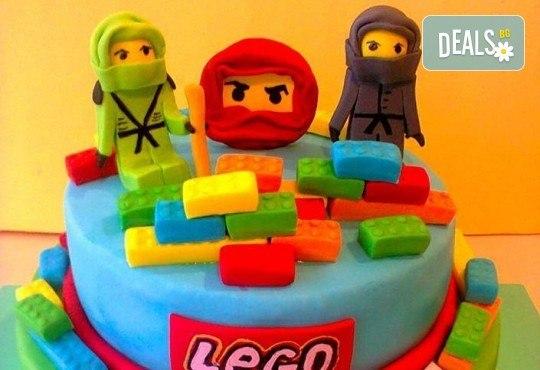 За момчета! Детска торта за момчета с коли и герои от филмчета с ръчно моделирана декорация от Сладкарница Джорджо Джани - Снимка 6