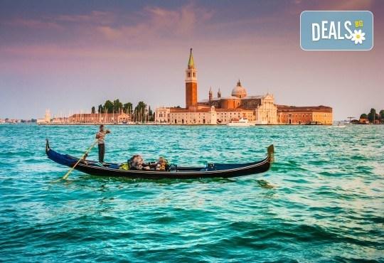Елате на Карнавала във Венеция през февруари! 3 нощувки със закуски в хотел 3* в Лидо ди Йезоло, транспорт и водач! - Снимка 8