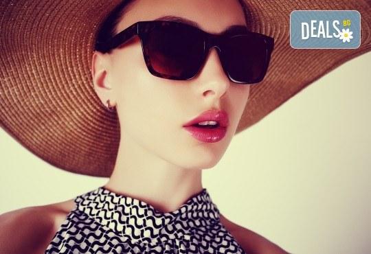Безиглено влагане на хиалуронова киселина за попълване на бръчки или уголемяване на устни в Anima Beauty&Relax! - Снимка 1