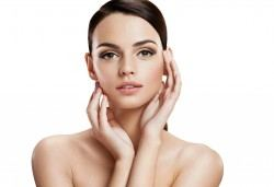 Ултразвуково почистване на лице и фотон терапия или нанасяне на серум в Студио за здраве и красота Оренда! - Снимка