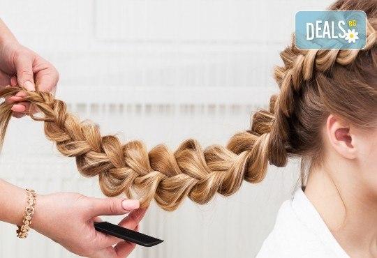 Придайте на косата си желания обем и блясък! Дълбоко подхранваща ботокс терапия, сешоар и плитка по избор в салон Veselina Todorova! - Снимка 3