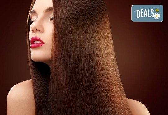 Жизнена и красива коса! Дълбоко възстановяваща кератинова терапия за коса, подстригване и прическа със сешоар в салон Veselina Todorova! - Снимка 1