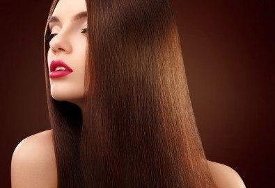 Жизнена и красива коса! Дълбоко възстановяваща кератинова терапия за коса, подстригване и прическа със сешоар в салон Veselina Todorova! - Снимка