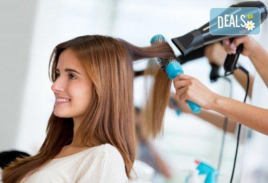 Жизнена и красива коса! Дълбоко възстановяваща кератинова терапия за коса, подстригване и прическа със сешоар в салон Veselina Todorova! - Снимка 2