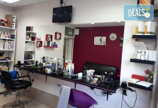 Жизнена и красива коса! Дълбоко възстановяваща кератинова терапия за коса, подстригване и прическа със сешоар в салон Veselina Todorova! - Снимка 5