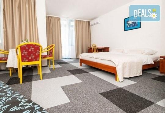 Посрещнете Нова година 2019 в Неум, Босна и Херцеговина! 4 нощувки със закуски и вечери в хотел Stela 3*, транспорт, водач и екскурзия до Дубровник - Снимка 4
