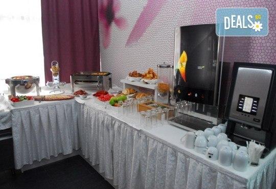 Нова година 2019 на брега на Черногорската ривиера! 4 нощувки cъс закуски и 3 вечери в Magnolia 4*, транспорт, водач и целодневна екскурзия до Дубровник - Снимка 11